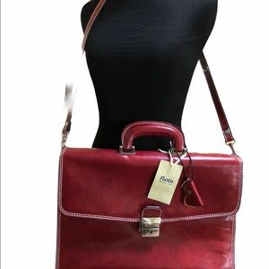 Gorgeous FLOTO Messenger bag NEW made in Italy.